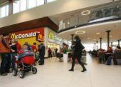 Návštevníci chcú v nákupných centrách viac jesť