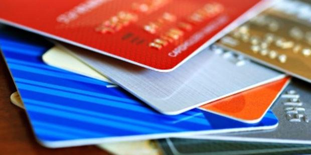 Vernostné karty majú traja zo štyroch Slovákov