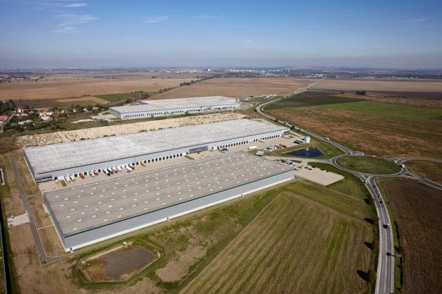 Tesco vybuduje v Galante nové distribučné centrum. Budú v ňom suché potraviny pre strednú Európu
