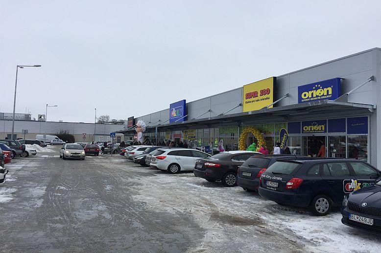 a28cae68c V Senici rozšírili obchodnú zónu pri Kauflande, sú v nej značky CCC, Okay  či Orion   Tovar&Predaj – správy z retailu
