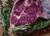 Nevyhovujúce mäso z Brazílie sťahujú z trhu, škandál nemá obdobu