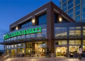 Amazon kúpil Whole Foods Market. Môže to zatriasť trhom