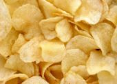 Za slané pochutiny dali Slováci vlani cez sto miliónov eur, kupujú hlavne chipsy