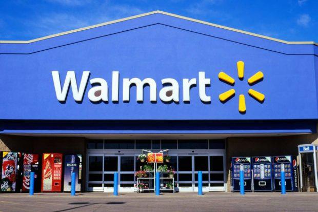 Objednaj si a hneď vyzdvihni. Walmart a Amazon tvrdo bojujú o on-line zákazníkov