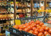 Diskonty a supermarkety rastú na význame