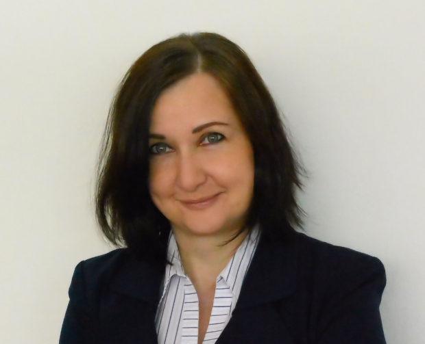 Katarína Droppová: Alkohol a mladiství. Ako k tomu pristupujú firmy?