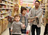 Zákazníci uprednostňujú menšie obchody. Predaj podporujú emócie