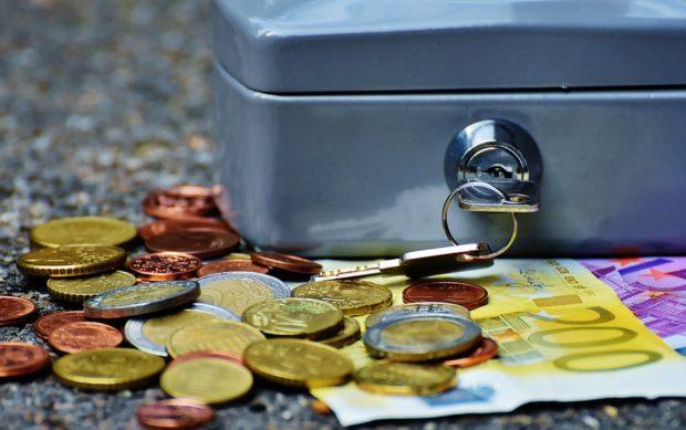 Analýza: Takmer pätinu výdavkov minú Slováci na potraviny, v EÚ je to menej