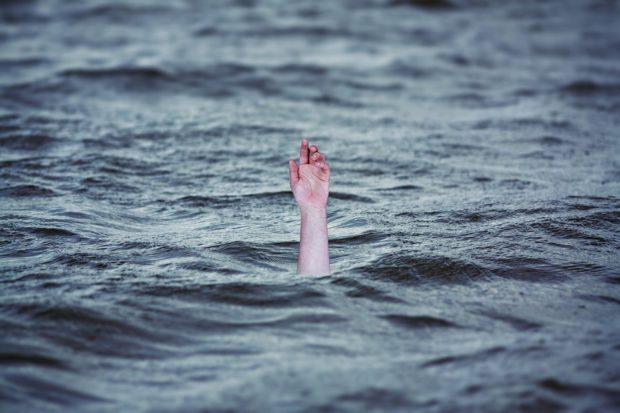 Katarína Droppová: Keď sa topíte, hoďte emócie do koša