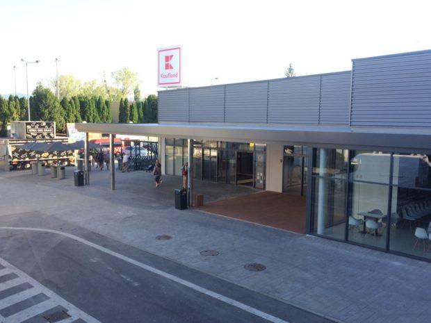 Kaufland je otvorený o hodinu kratšie. Kvôli zamestnancom