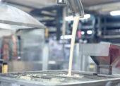 Reportáž: Nestlé vymyslelo nový cukor. Ako prvá ho použila čokoládovňa Zora