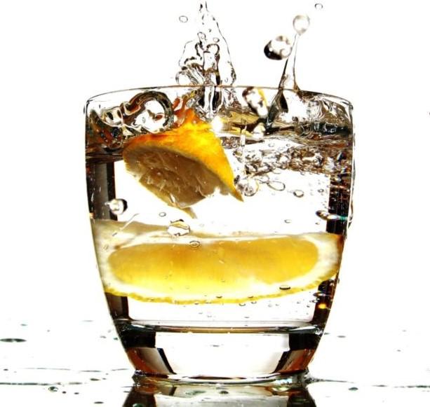 Tovar&Predaj 11 – 12/2018: Na Slovensku je najobľúbenejšia vodka