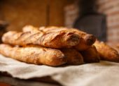 Pekári podporujú návrh na cenovú reguláciu potravín
