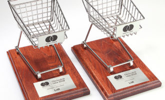 Ocenenie Obchodník roka obhájil Martinus, cenu verejnosti prevzal Lidl