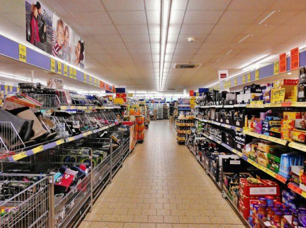 Rast rýchloobrátkového tovaru v Európe sa spomalil, spotreba na Slovensku klesla