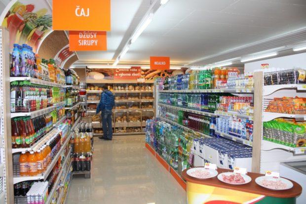Na pultoch predajní je viac slovenských potravín