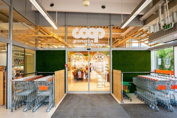 Coop Jednota otvorila prvý supermarket inšpirovaný ľudovým umením