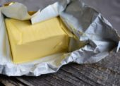 """Ceny potravín medziročne rástli. Ako sa vyvíjala """"maslová kríza""""?"""