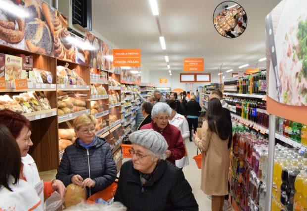 Coop Jednota posilňuje otváracie hodiny. V predvianočnom období môžu zákazníci nakupovať až do polnoci