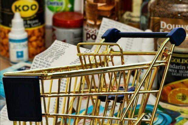 Obchodné reťazce zavádzajú nákupné hodiny pre seniorov