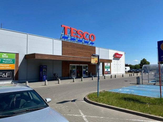 Tesco v Poľsku predáva obchody dánskej spoločnosti Salling Group