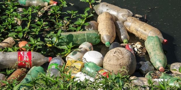 Výrobcovia nápojov vyzývajú k zvýšeniu zberu a recyklácii PET fliaš